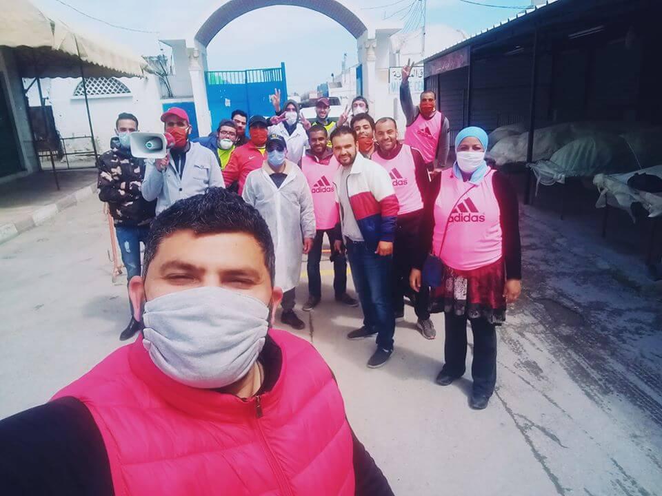 نابل: شباب متطوعون ينضمون حركة السوق لتفادي عدوى فيروس كورونا